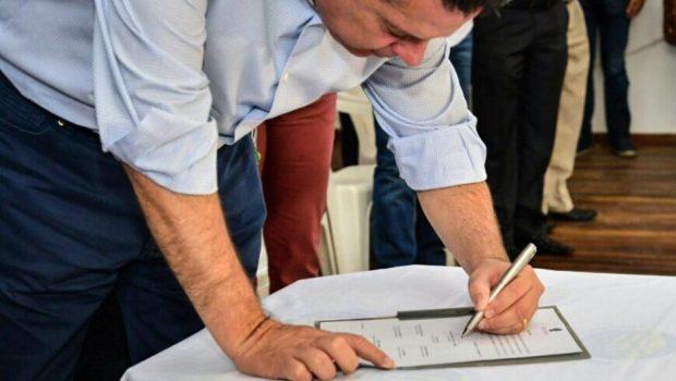 Caiapônia recebe R$ 2 milhões e 80 escrituras públicas