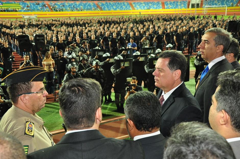 """""""Essa é a maior posse da história da Polícia Militar de Goiás"""", diz Marconi ao empossar 2,5 mil novos policiais"""