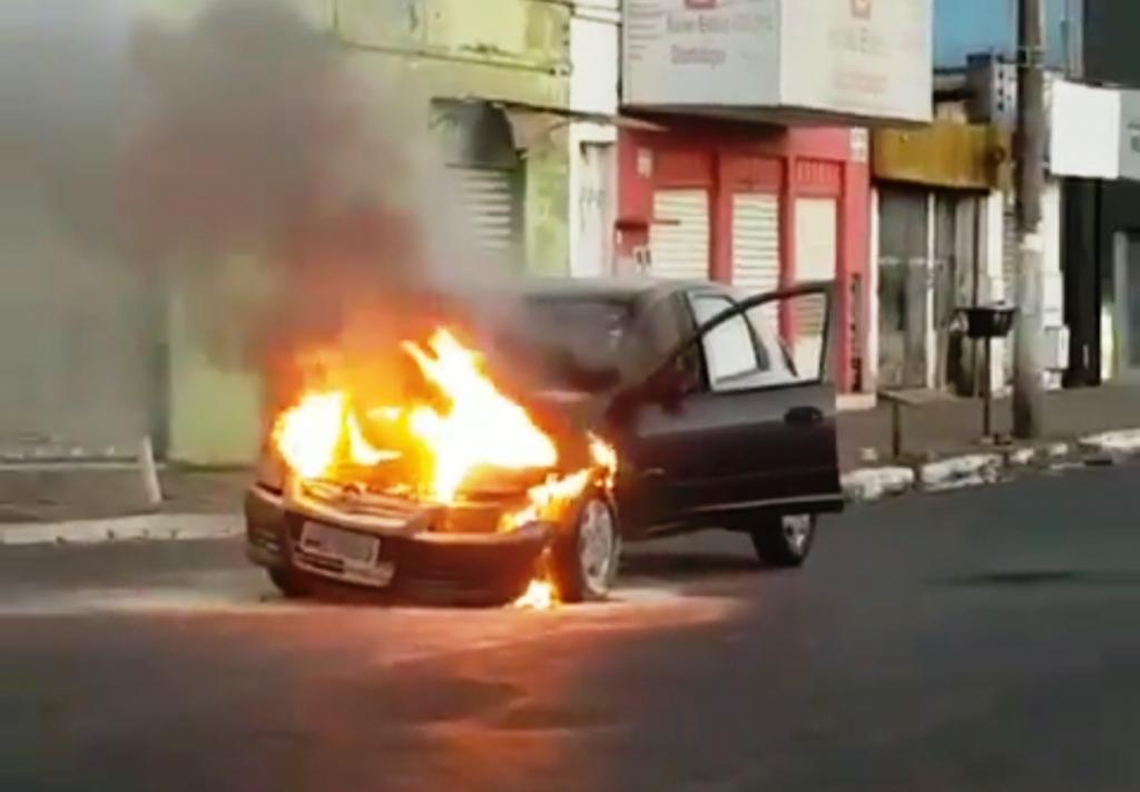 Cresce número de incêndios em veículos, em Goiás