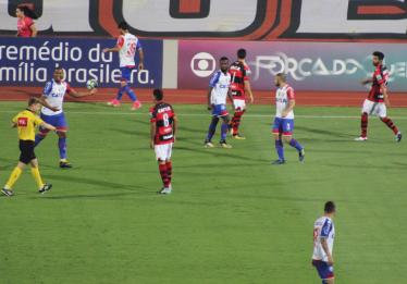 Atlético-GO e Bahia empatam em 1 a 1 no Estádio Olímpico, em Goiânia