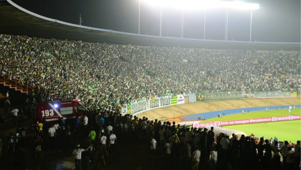 Juiz impõe limite de torcedores no próximo jogo entre Vila Nova e Goiás