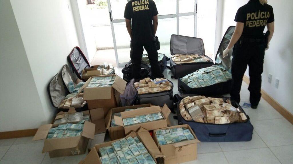 PF já contou mais R$ 33 milhões achados em imóvel supostamente usado por Geddel