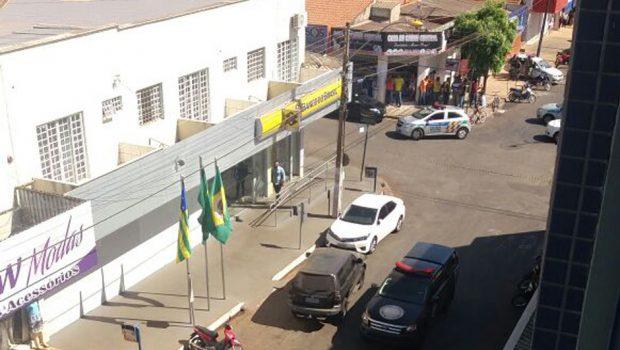 Gerente do Banco do Brasil é feito refém durante assalto em Nerópolis