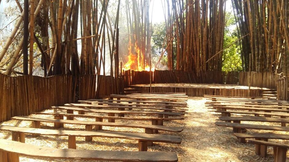 Incêndio destrói parte da Vila Ambiental, no Parque Areião, em Goânia