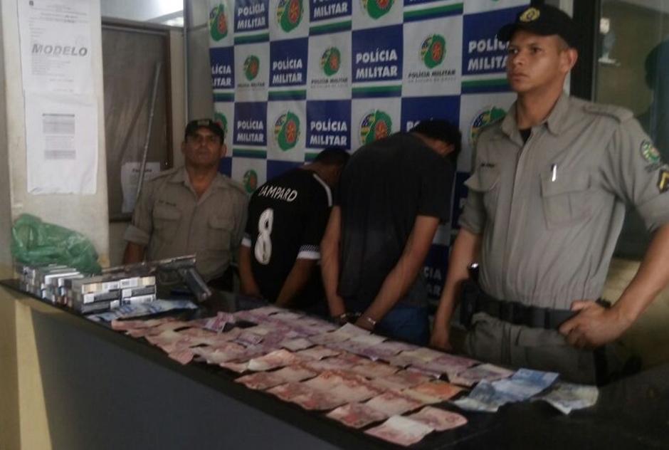 Dois homens são presos por roubar supermercado no Recanto das Minas Gerais