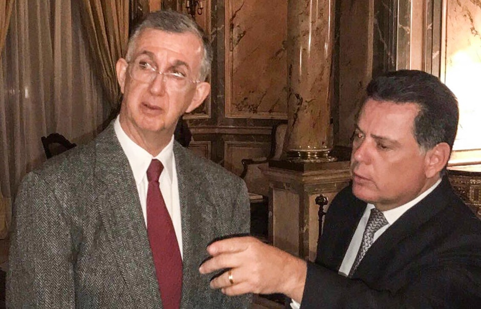 Na Argentina, Marconi se reúne com embaixador Sérgio França Danese