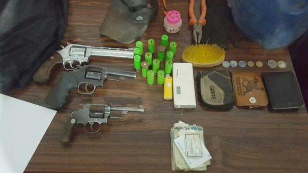 Três suspeitos morrem em troca de tiros com a polícia na GO-188