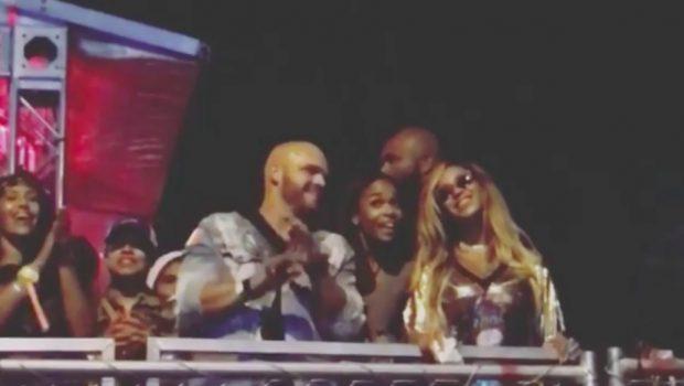 Jay-Z canta parabéns para Beyoncé durante show nos Estados Unidos