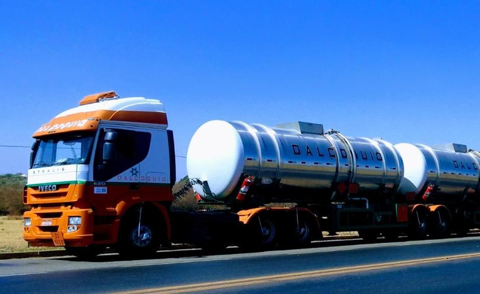Motorista de caminhão carregado com querosene é preso por embriaguez