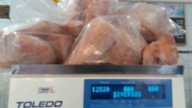 Em Anápolis, homem é preso com 12 quilos de carne de jacaré