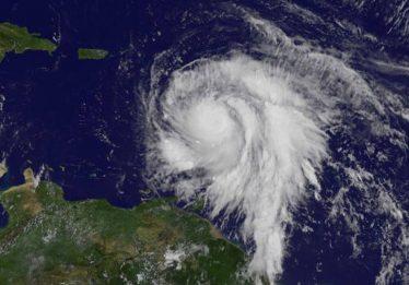 Furacão Maria deixou saldo de 30 mortos na ilha de Dominica