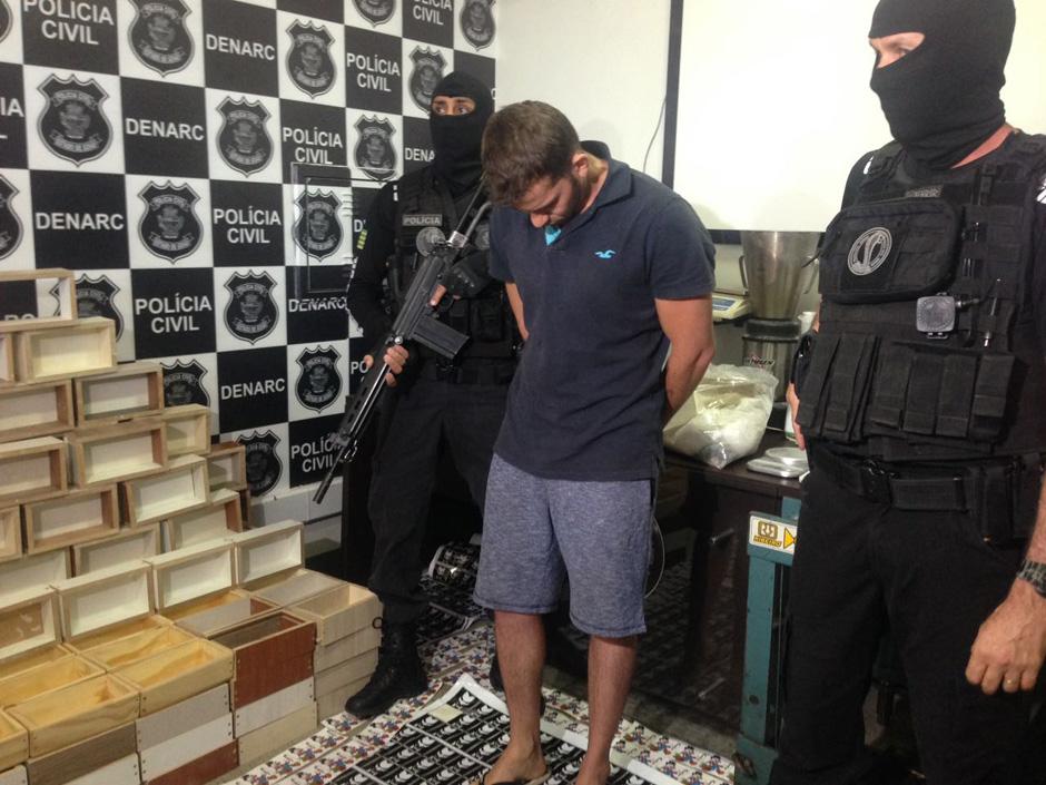 Denarc estoura laboratório de refino de cocaína em Goiânia