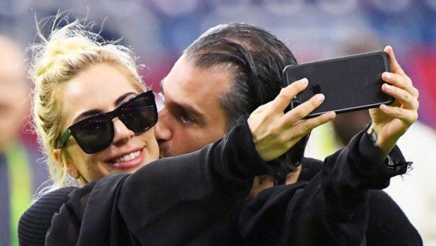 Durante show em NY, Lady Gaga se declara ao namorado, Christian Carino