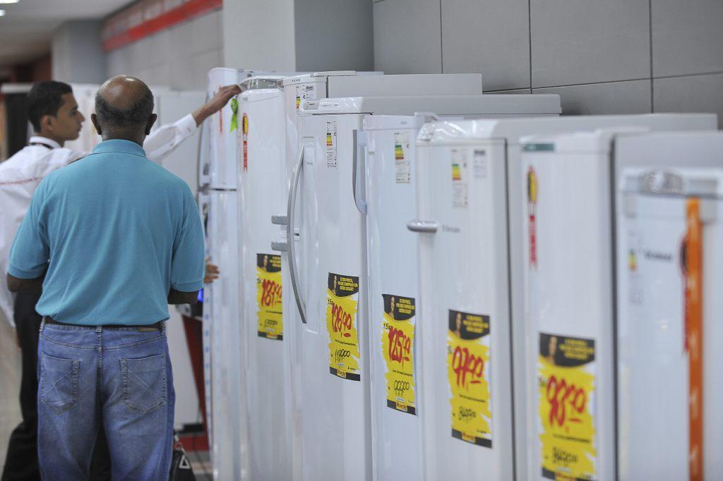 Celg lança programa com descontos na compra de novos eletrodomésticos