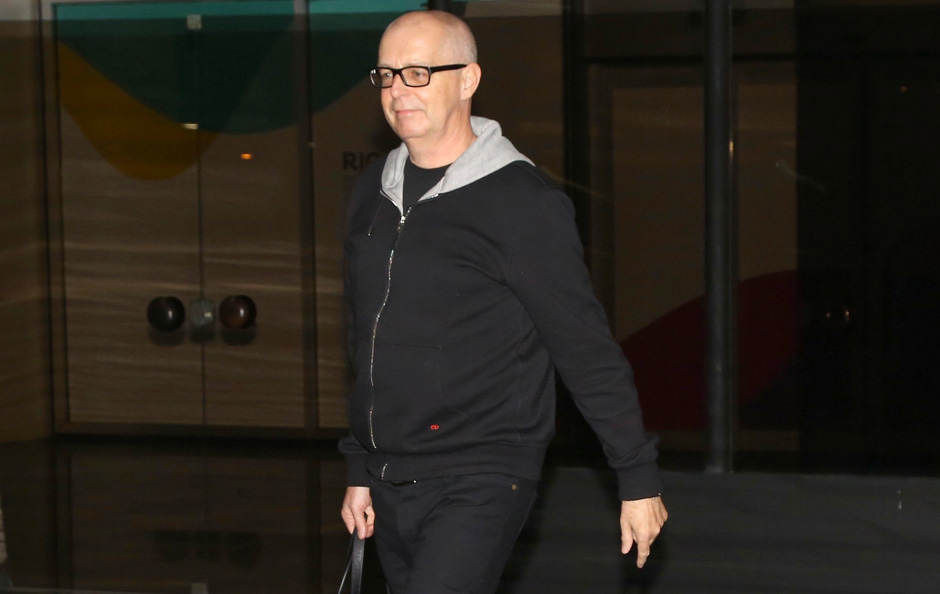 Vocalistas do Pet Shop Boys são assaltados por quatro travestis em Copacabana