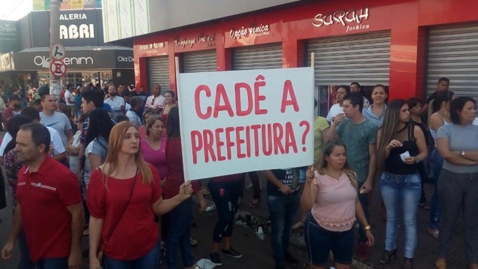 Lojistas da região da 44, em Goiânia, protestam, mas associação não reconhece manifestação
