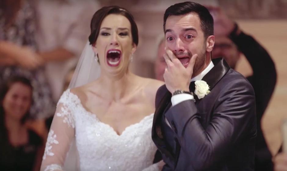 Thiaguinho 'invade' casamento de fãs para cantar. Veja a reação do casal