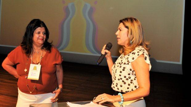 """""""As mulheres representam quase 70% dos beneficiados pela Bolsa Universitária"""", afirma Valéria Perillo"""