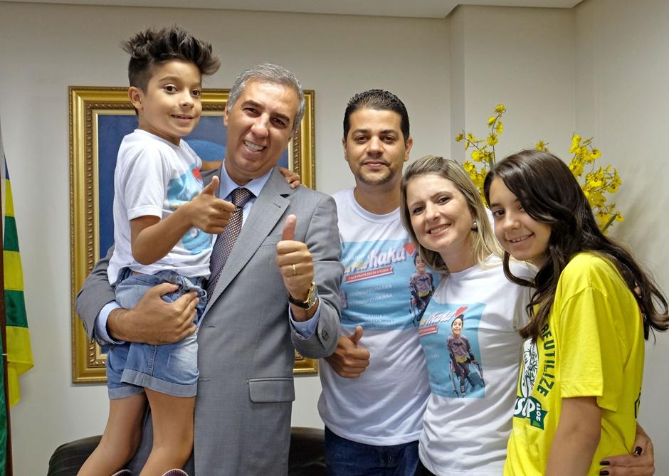 Governo do Estado doa passagens aéreas aos EUA e estadia para Kaká e acompanhante