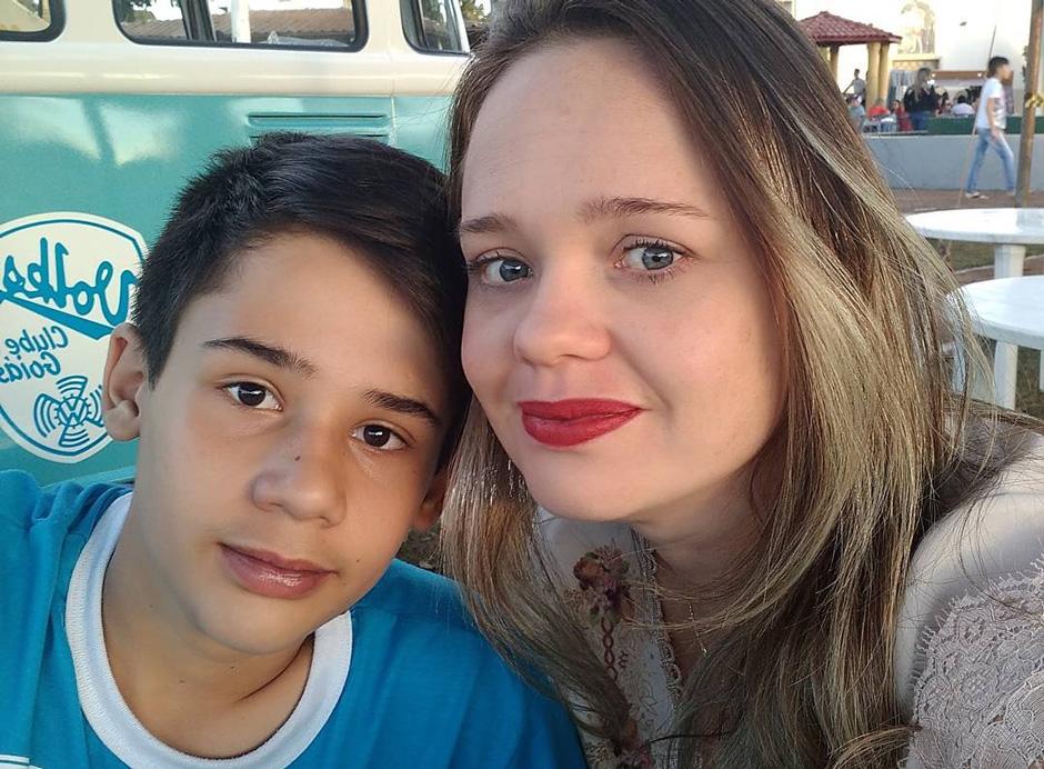 Nas redes sociais, mãe de adolescente morto em escola de Goiânia pede: 'não julgue o nosso filho'