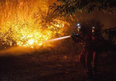 Mais de 100 incêndios deixam quatro mortos na região espanhola da Galícia