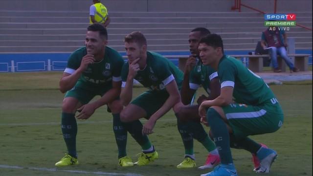 Com gol no fim, Guarani arranca empate com o Goiás no Serra Dourada