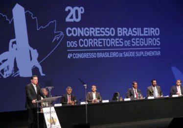 No maior congresso de corretores de seguro do país, Marconi diz que Goiás cresce acima da média nacional