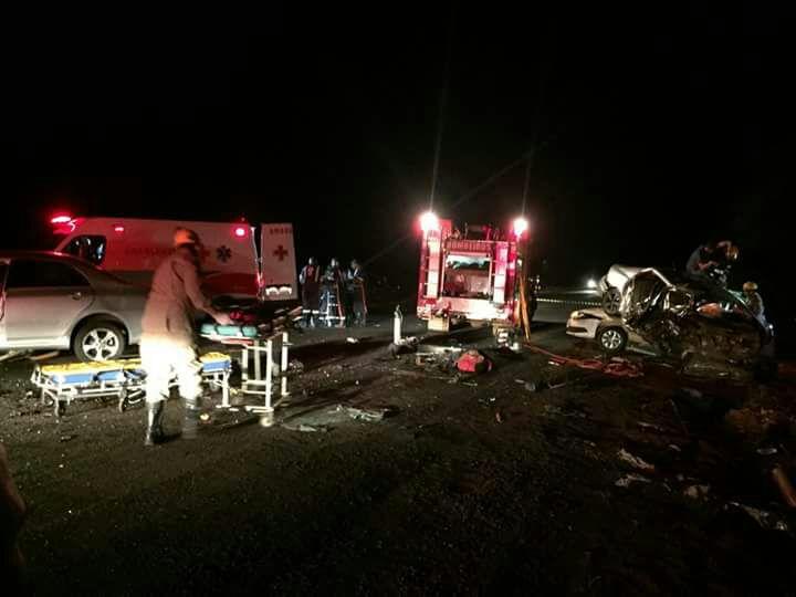 Acidente envolvendo 3 carros deixa ao menos 5 mortos na GO-210, em Rio Verde