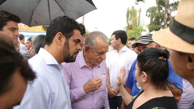 Apesar da chuva, população mantém procura de serviços no Mutirão