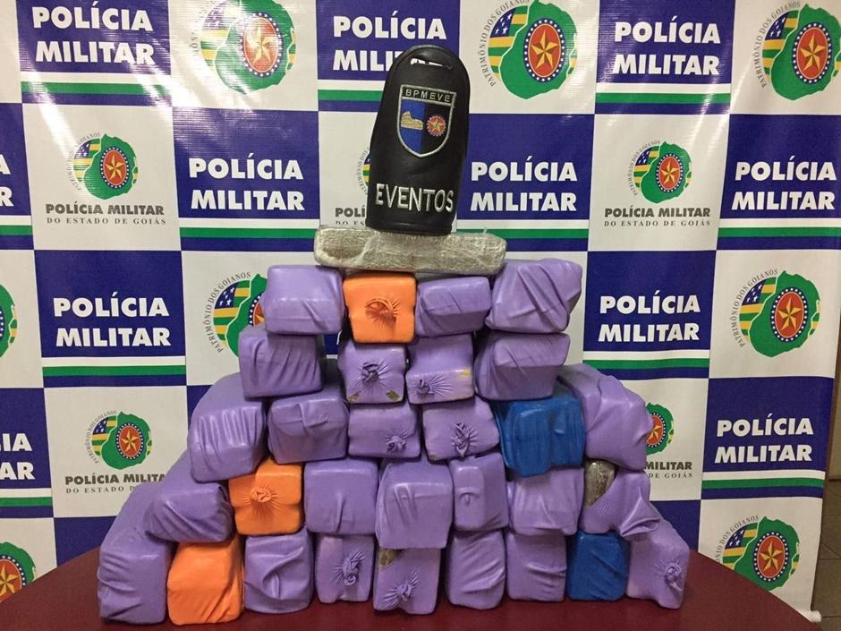 Jovem de 20 anos é preso com 63 quilos de maconha em Goiânia
