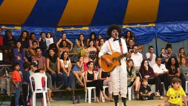 Projeto social ensina arte do circo para crianças de baixa renda