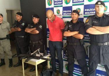 Falso policial é preso em bar de Senador Canedo