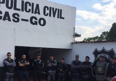Cinco pessoas são presas por comércio de armas de fogo em Aragarças