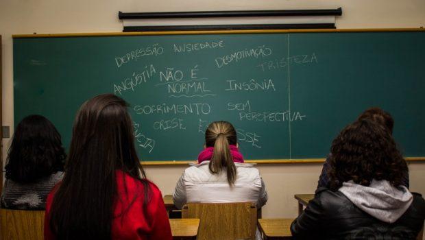 Saúde mental de estudantes preocupa universidades goianas