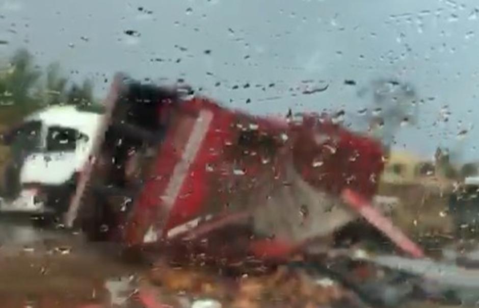 Acidente envolvendo caminhão interdita BR 060 no sentido Anápolis