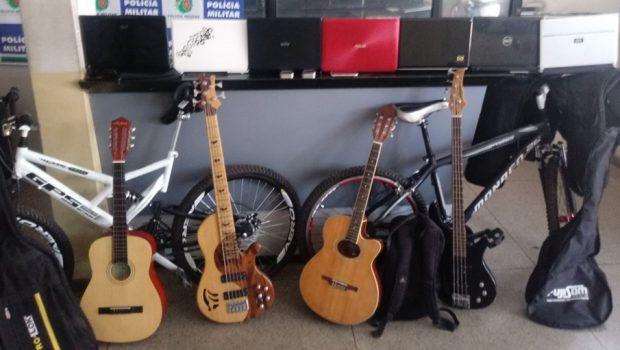 Menor é apreendido em Goiânia com sete notebooks e cinco instrumentos musicais