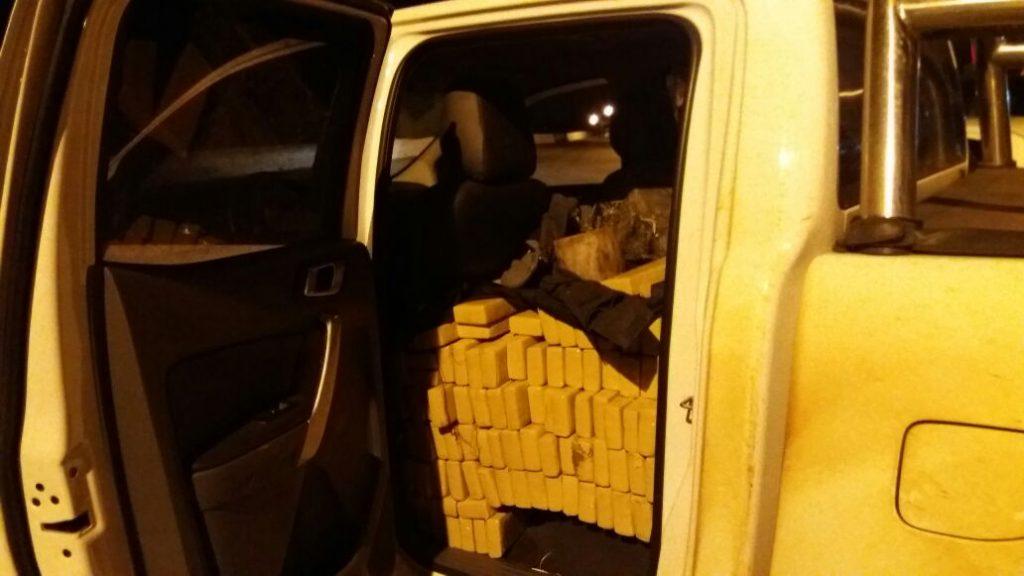 Polícia Militar apreende cerca de uma tonelada de maconha em Guapó