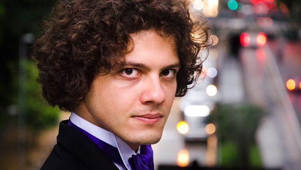 Filarmônica de Goiás se apresenta com o pianista Fábio Martino neste domingo