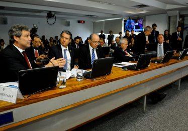 Comissão aprova medida provisória que reduz tributação de petróleo e gás