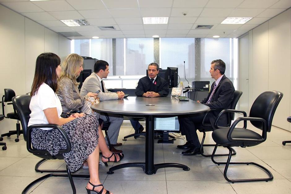 Justiça do Trabalho em Goiás homologa acordo entre o MP e a Avon no valor de R$ 3,5 milhões