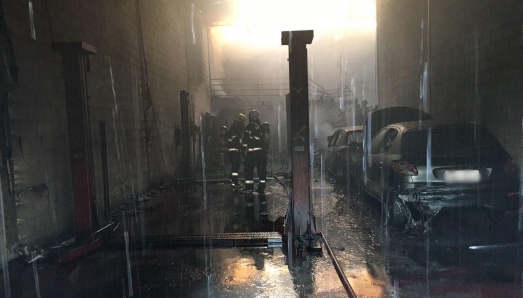 Duas lojas pegam fogo no Jardim Europa, em Goiânia