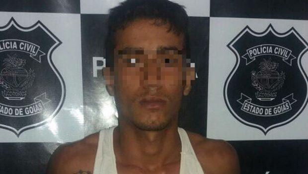 Homem é preso após jogar drogas por cima de muro de presídio