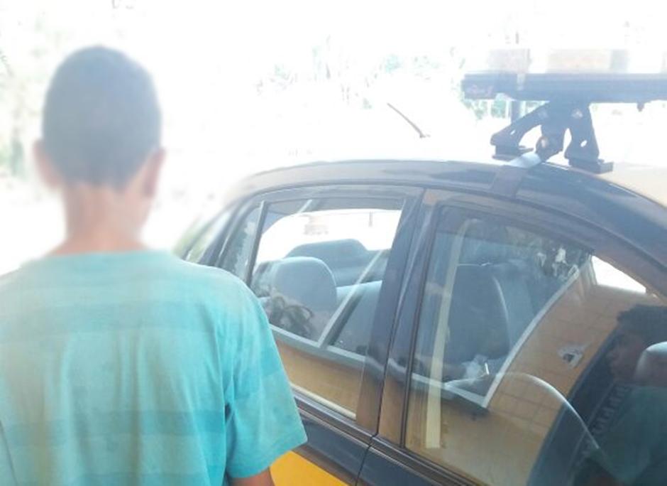 Na BR 060, PRF encontra criança que fugia de casa