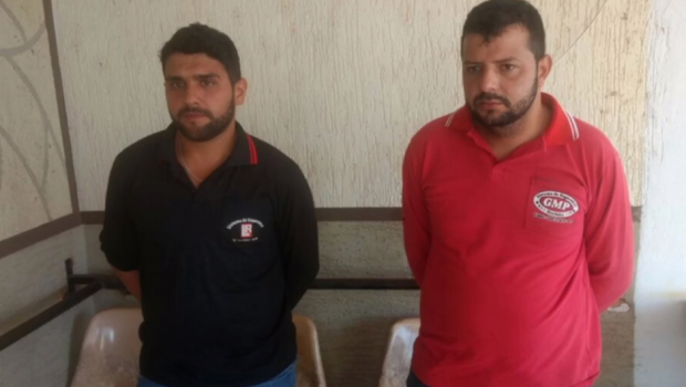 Homens são presos suspeitos de usar a codificação dos controles eletrônicos para furtar clientes