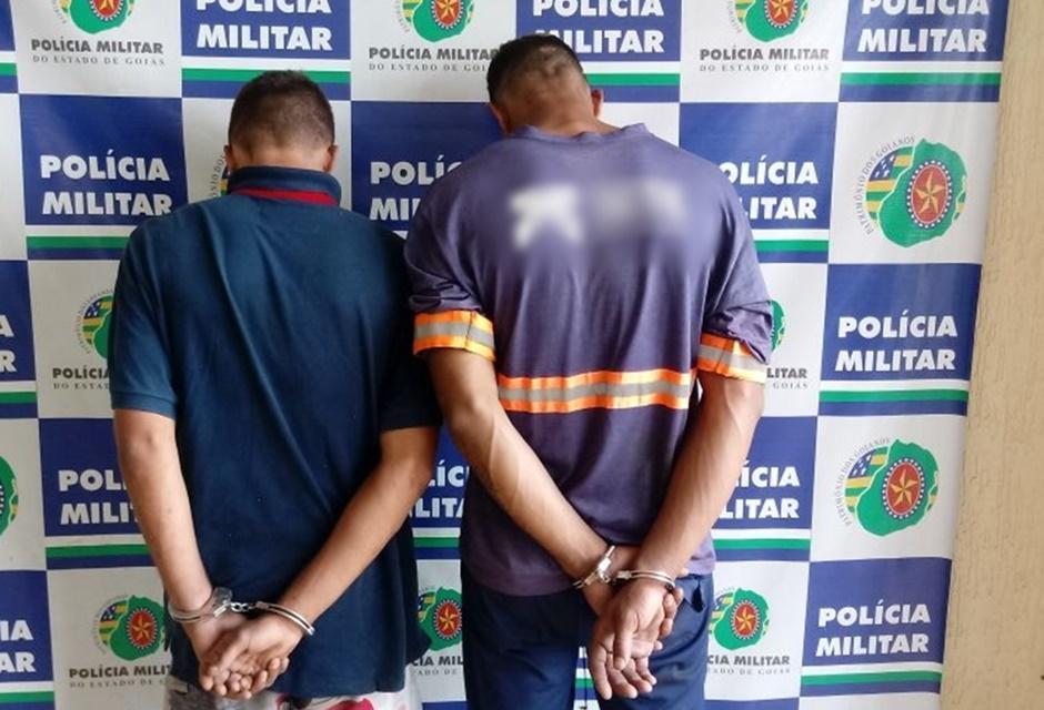 Dois homens são presos após roubar uma residência no Setor Madre Germana II