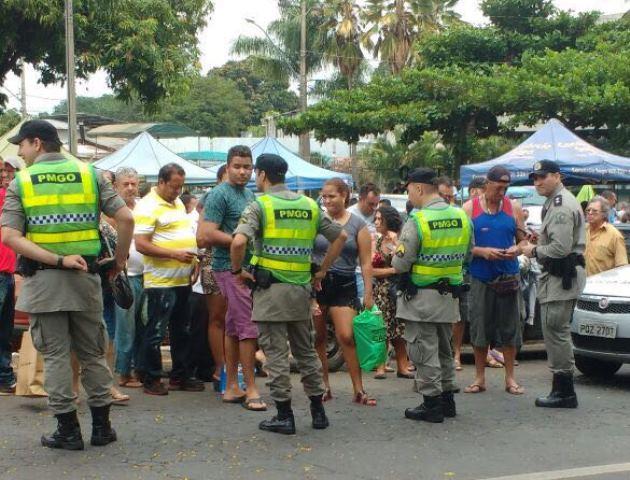 Feira da Marreta é alvo de operação policial neste domingo, em Goiânia