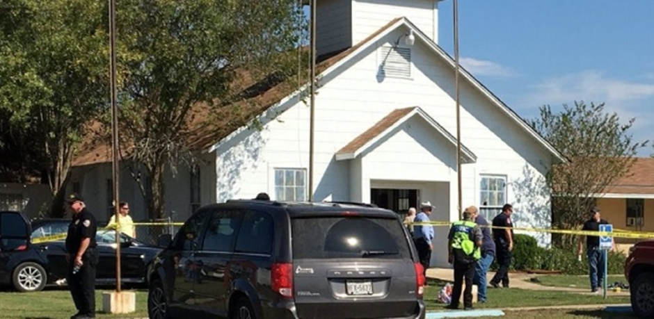 Atirador invade igreja no Texas e deixa mortos e feridos
