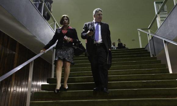 TRE mantém prisão preventiva de Garotinho e manda soltar Rosinha