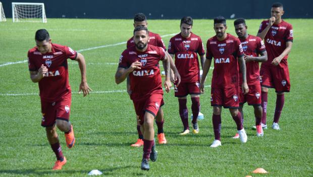 Já rebaixado, Atlético-GO encara o Grêmio e quer terminar o ano com dignidade