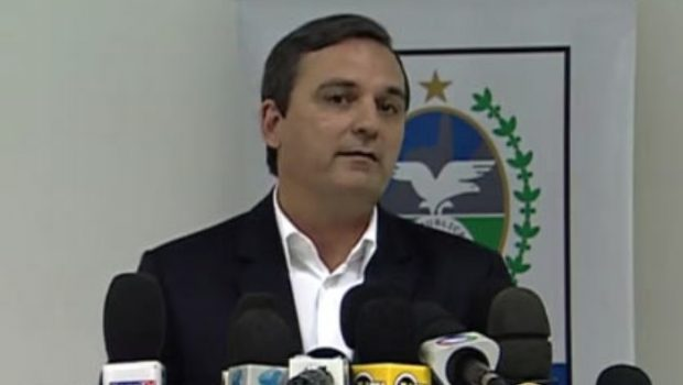 Polícia Federal prende ex-chefe da Casa Civil do governo Cabral